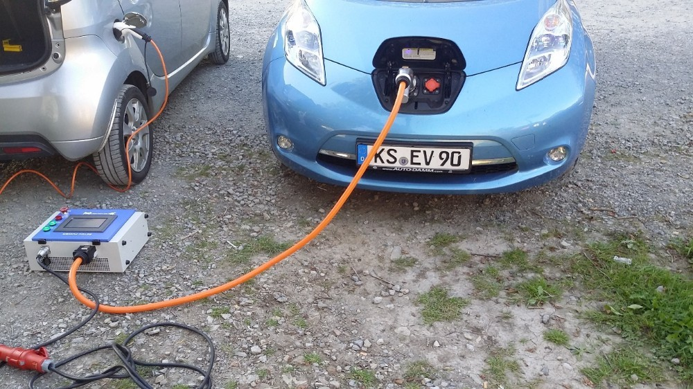 10kw dc portable handy charging station with chademo and ccs connectors
