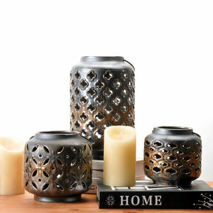 Wholesale plated black color ceramic cheap price candle stand royal turkey candle holder