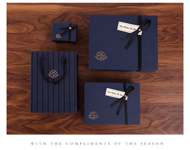 Custom Exquisite a set of present paper bags and boxes to British style