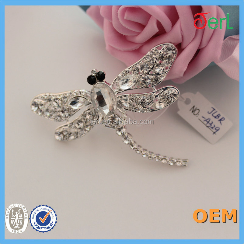 Unique Design Most Charming Dragonfly Shape Alloy Rhinestone Crystal Brooch for Decoration in Yiwu