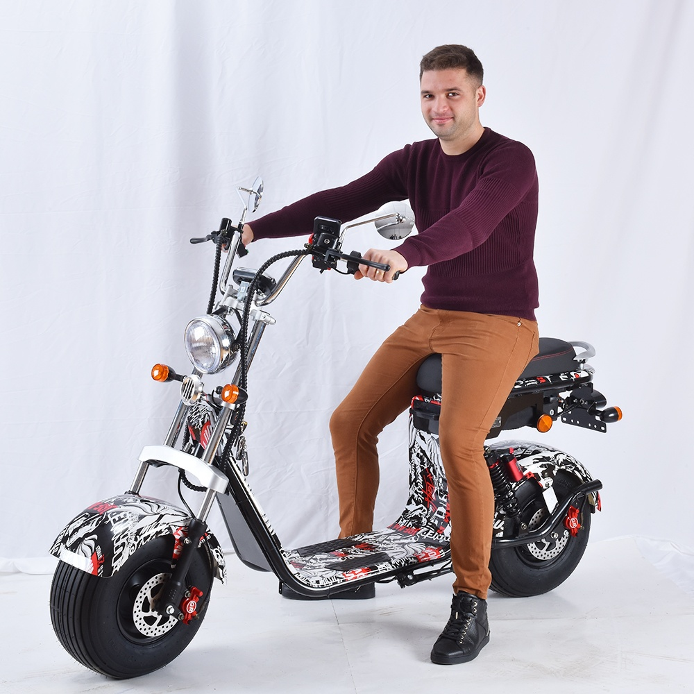 40-60km Range Per Charge and No Foldable electric scooter CE 60v 2000W moto citycoco europe electric scooter 3000w