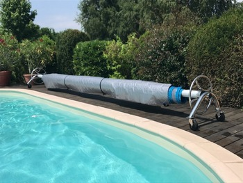 Durable Pe Swimming Pool Bubble Cover With Telescopic Roller - Buy Swimming  Pool Cover,Pool Bubble Cover,Pool Cover With Telescopic Roller Product on  ...