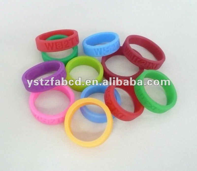Elastiic & Soft Lovers Colored Rubber Band Rings