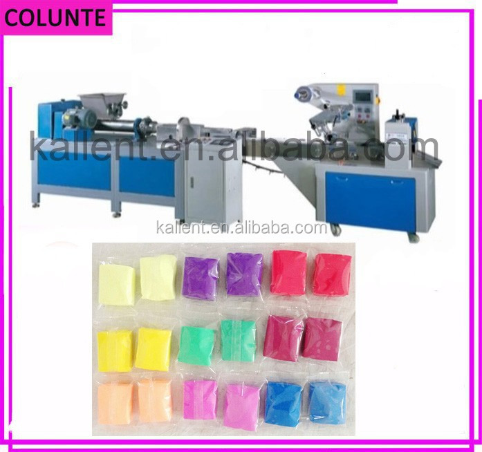 Automatic manual modeling clay packing machine