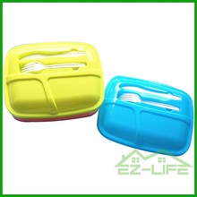 Non-stick collapsible food storage microwave safe silicone folding lunch box containers with fork