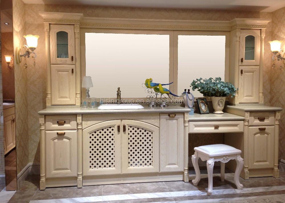 Traditionnelle conception de bain vanit et commode salle for Coiffeuse de salle de bain