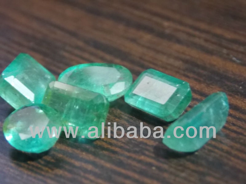 Loose emerald lot 13.50 ct, fine quality and transparent