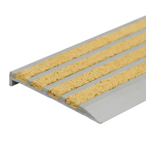 Outdoor Safety Antislip Step Nosing for Concrete Stairs