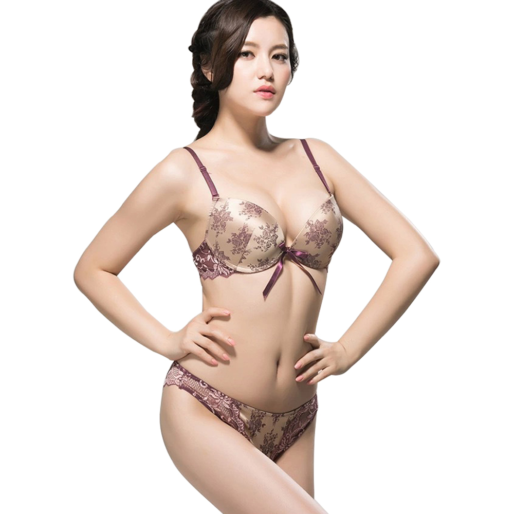 5ab9751e421 Buy 2015 Fashion Luxurious Vintage Women Bra Set Sexy Lace Bras And Panty  Lingerie Set Sexy Junior Tops Large Cup Push Up Bra Set in Cheap Price on  Alibaba. ...