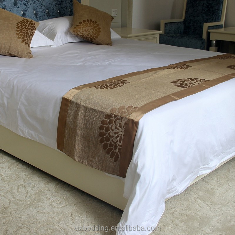 10 thing i like about bed runner dimensions but 3 is my favorite roole. Black Bedroom Furniture Sets. Home Design Ideas