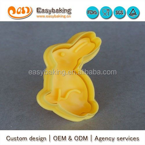 Make OEM PP Plastic Cartoon Shape Rabbit Cookie Cutter Stamp