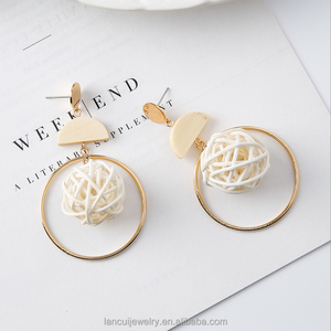 2018 Summer New Desgin Fashion Hand Knitting Dig Hoop Stud Earrings Dird's Nest Wooden Earrings