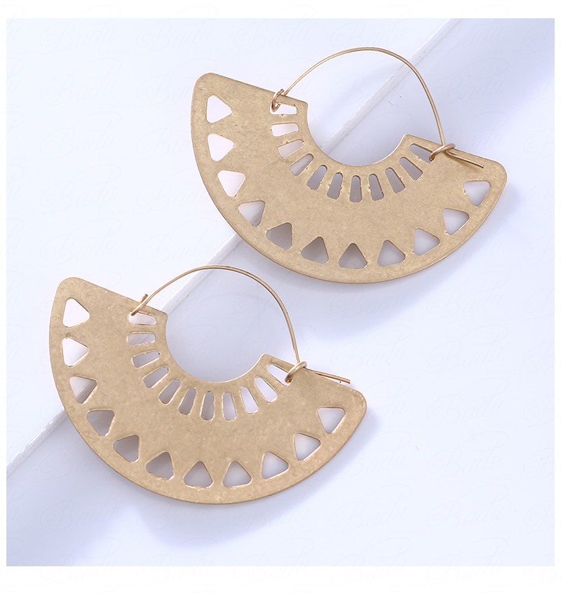 HTB1pu1nXzb.heNjSZFAq6AhKXXay - Badu Big Hollow Hoop Earring Semi-circle Vintage Declaration Ethnic Earrings Geometry Fashion Jewelry Punk Girl