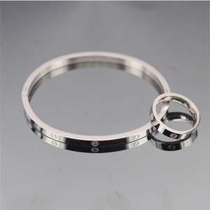Yiwu Aceon Name Brand Logo Stamped Gold Silver Hinge Bangle for women