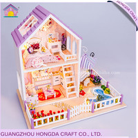 2017 New arrival with light and furniture miniatue plan toys dollhouse