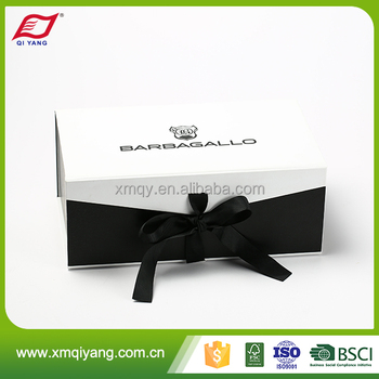 Custom printed white paper t-shirt packaging box with ribbon close