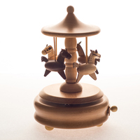 High quality China Manufacture home decoration hot sale carousel horse music box wooden rotating music box