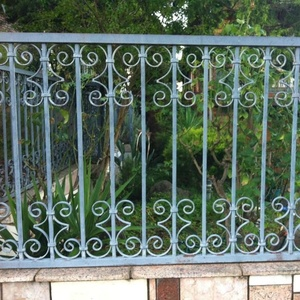 Wholesale China Factory Wrought Iron Ornamental S And C Gate Fence Scroll Casting