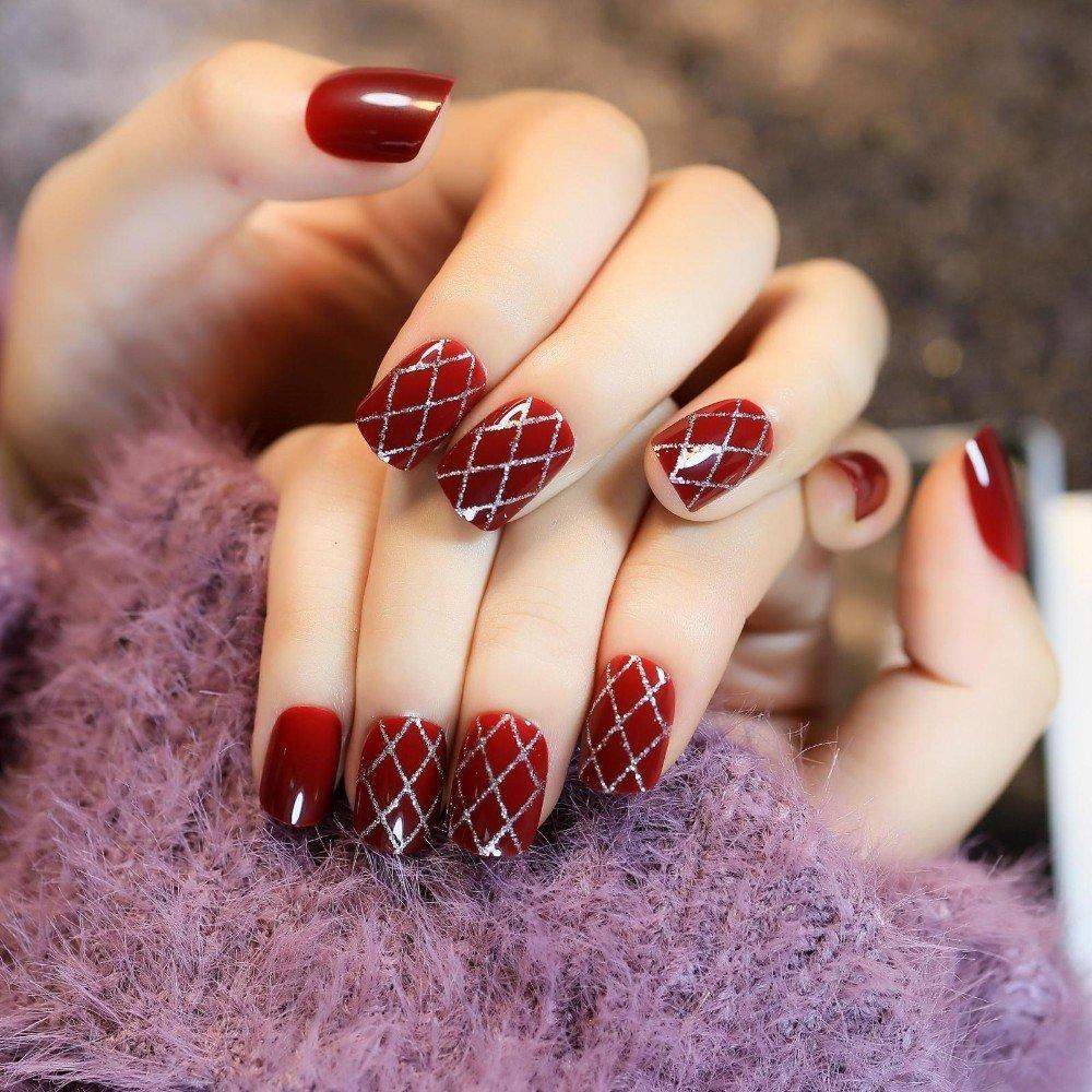 24 Pieces Cute Wine Red Short False Nails
