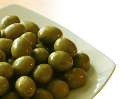 Whole or Plain Green Olives also Large sizes , Nobody has now