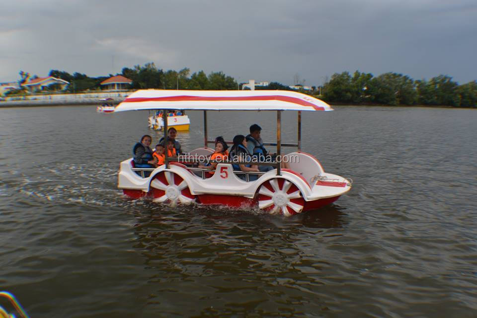 Popular water sports pedal boats for water park