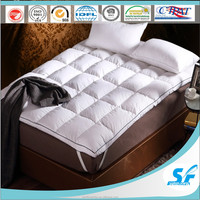 Twin/Full/Queen/King down and feather and polyester mattress topper protector