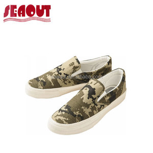 Fashion men Anti-skidding Flat slip on deck canvas Shoes with floral and stripe patterns