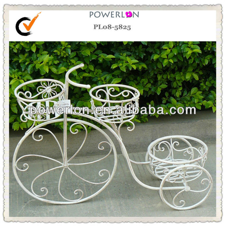Hot Product Eco-friendly Elegant Stylish Wrought Iron Metal Garden Ornament