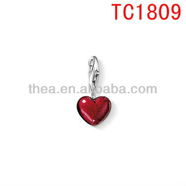Playful ornamentation zinc alloy red heart design for bracelet pendant