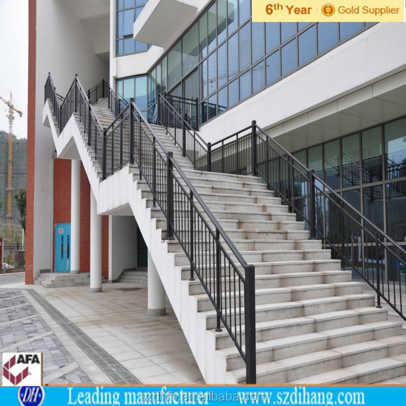 Barandas de hierro forjado para escaleras cool baranda en for Barandilla escalera exterior