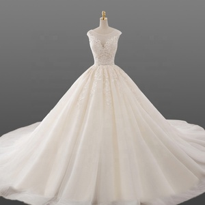 Cathedral Long Trail Wedding Dress Luxury Appliques Lace Tulle Angel Bride Gowns 2018