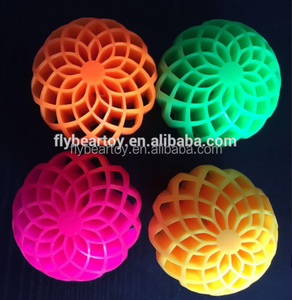 2018 new launch Honeycomb hole TPR rubber bounce ball flashing skip ball squish ball