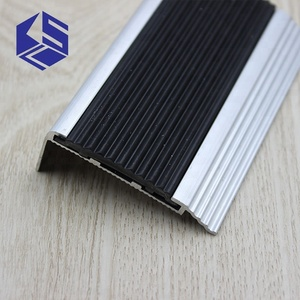 New style Non deformation abrasion proof rubber aluminum step nosing