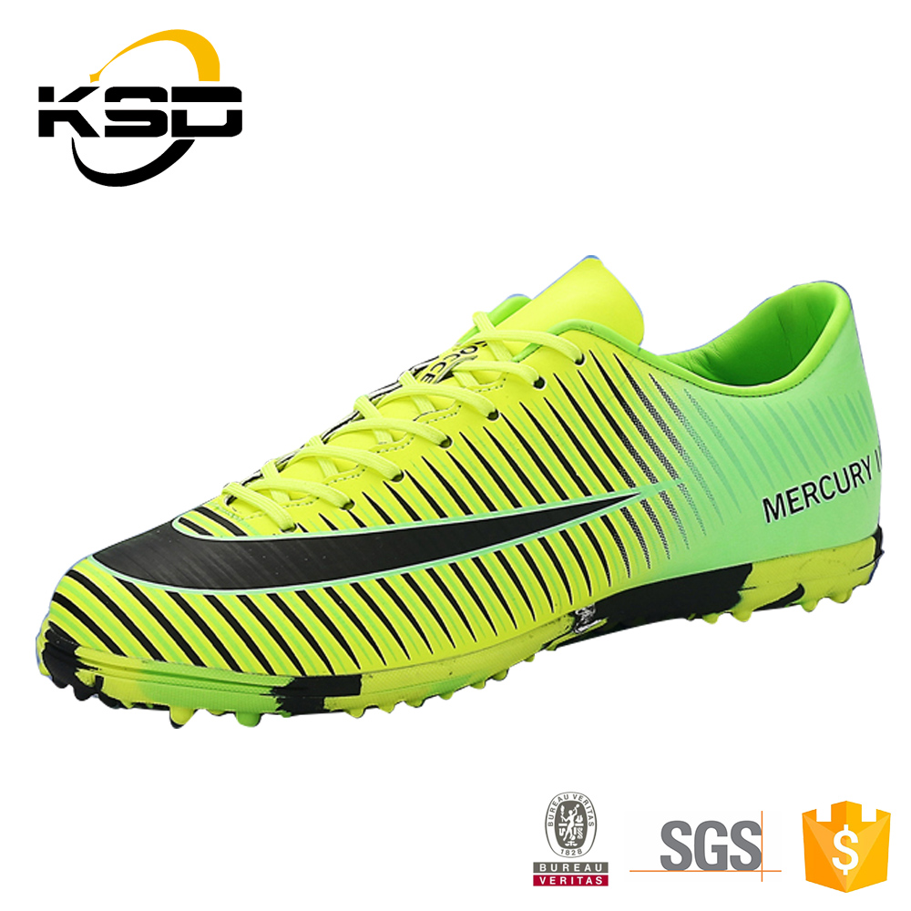 China Manufacturing Men Sport Shoes Pakistan Soccer Boot Football Shoe