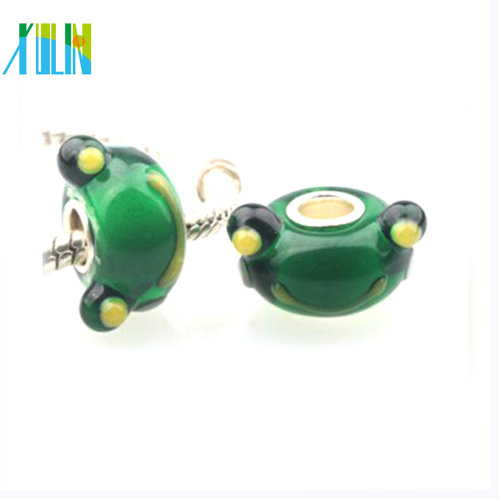 Lovely large hole lampwork glass little green frog beads