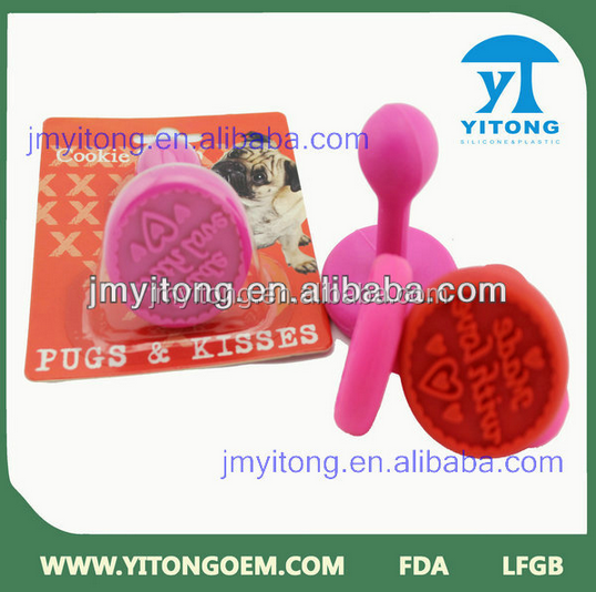 Silicone rubber cake embossing stamp