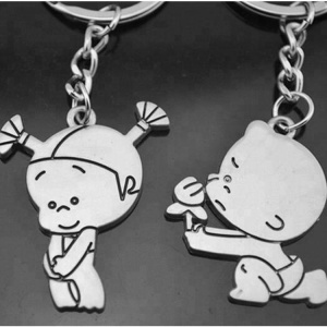 Wholesale 3D Design Metal Custom boy girl couple keychain With Keyring