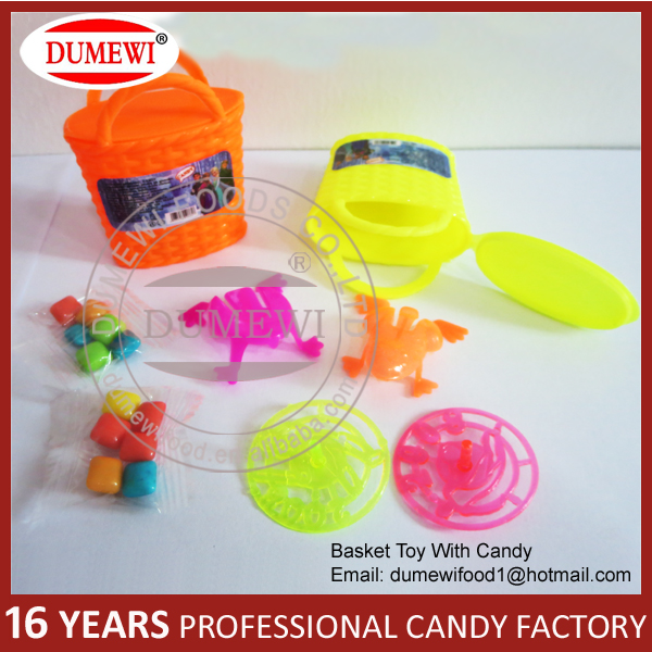 China cheap promotional gifts mini candy and toys