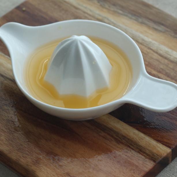 Blanco De Cerámica De Gres De Limóncalexprimidor De