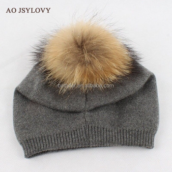 Wholesale slouch 30 wool 70 acrylic winter custom knit beanie with raccoon fur pom