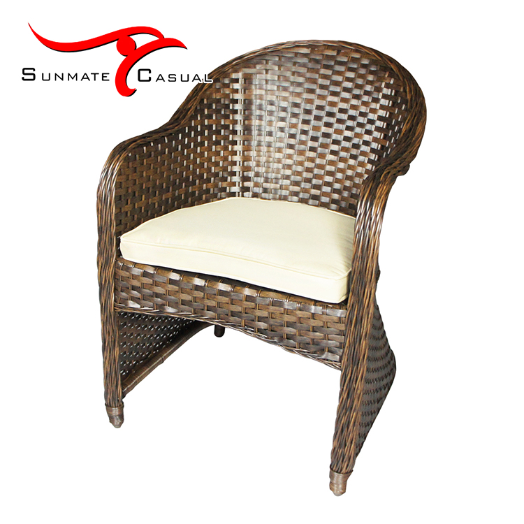 Luxury Garden Furniture Outdoor Patio Rattan Wicker Restaurant Cube Dining Round Table and Chair Set