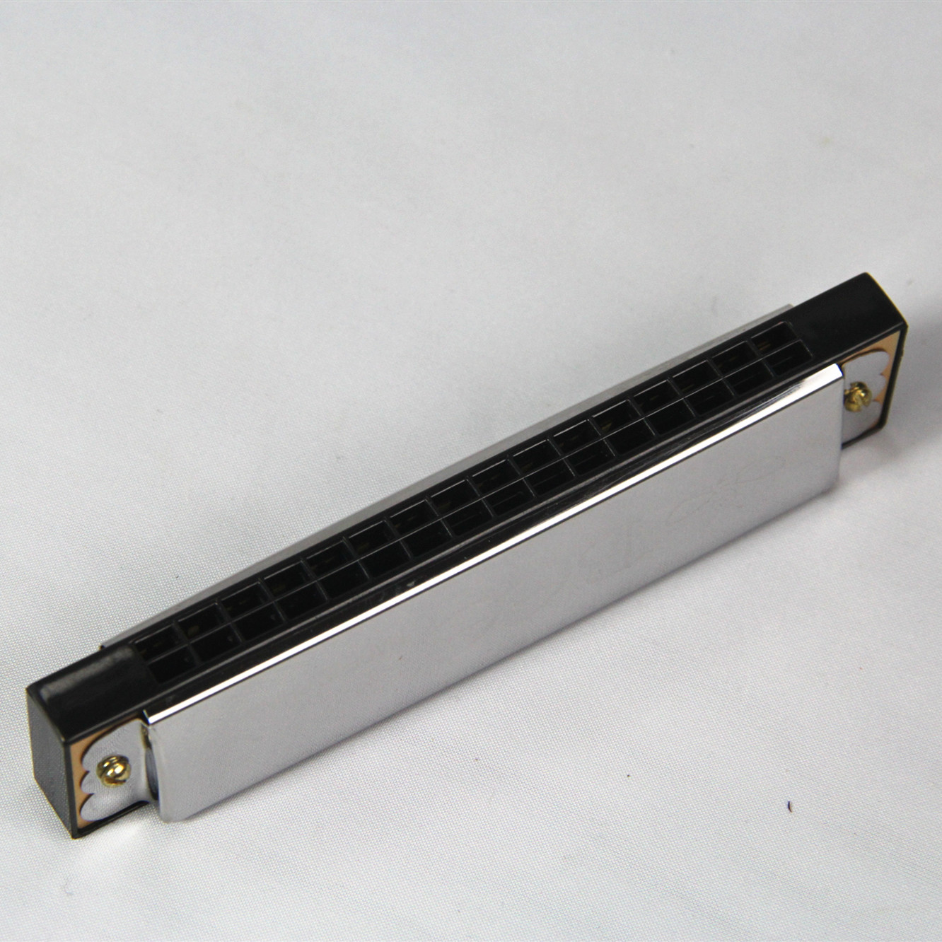 BEE brand 16 holes  aluminum reedplate stainless iron cover toy harmonica