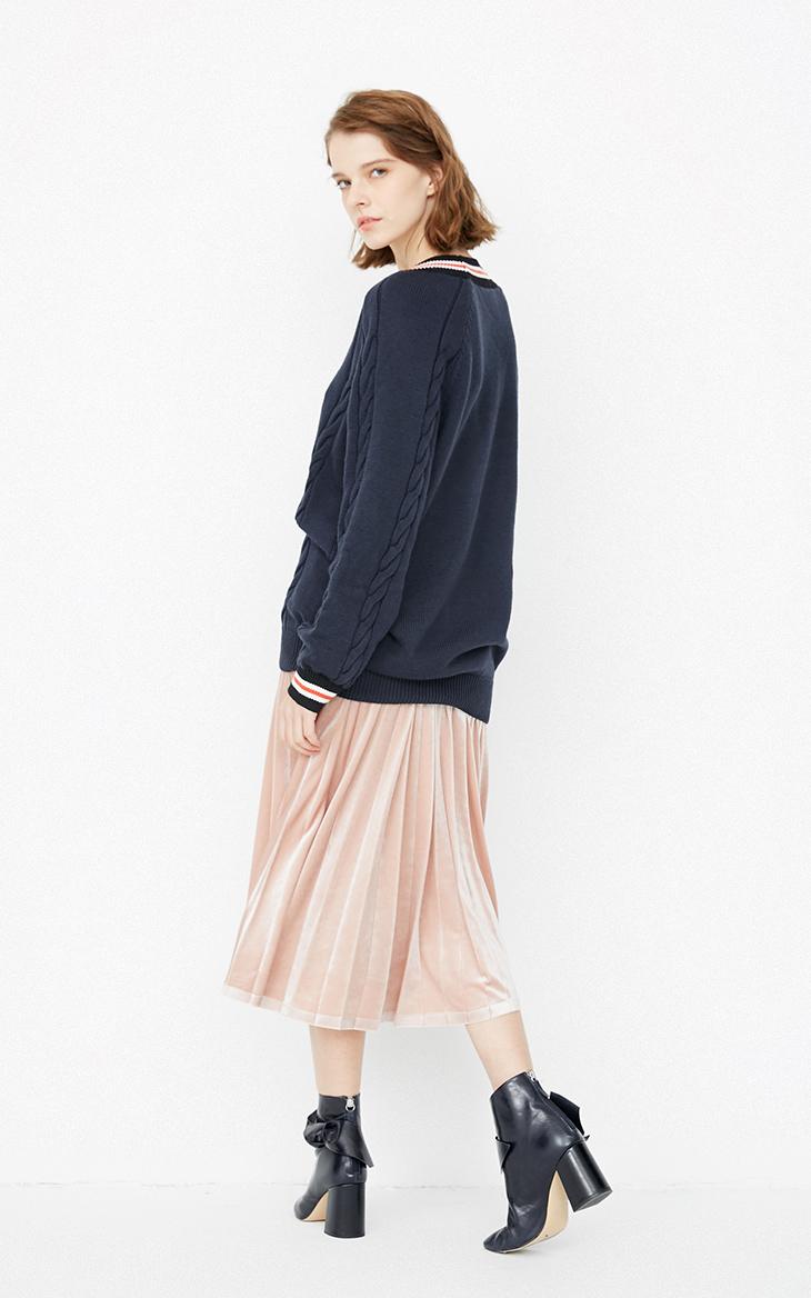 最新のデザイン v ネックケーブルニットルースブレストブラックスリムフィットの女性プルオーバーセーター