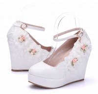 Pretty decoratie flower bridal shoes wedge wedding shoes