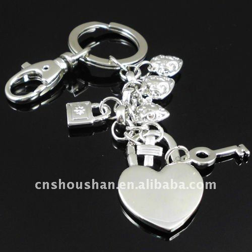 Fashion heart lock keychain with key