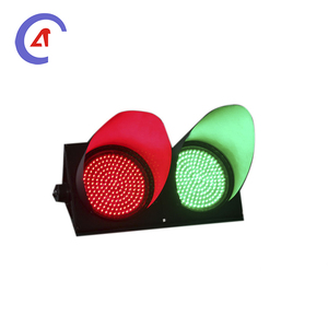 100mm 4 inch 2 section red and green signal traffic light with clear lens