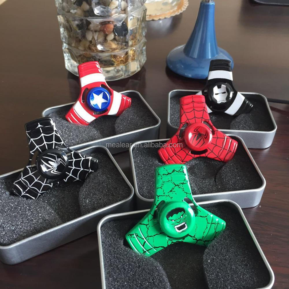 2017 top selling 2017 fashion boy hand spinner toys