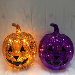 Halloween Decoration Electroplated Plastic Pumpkins with Carved Face Lighted up by Copper Wire