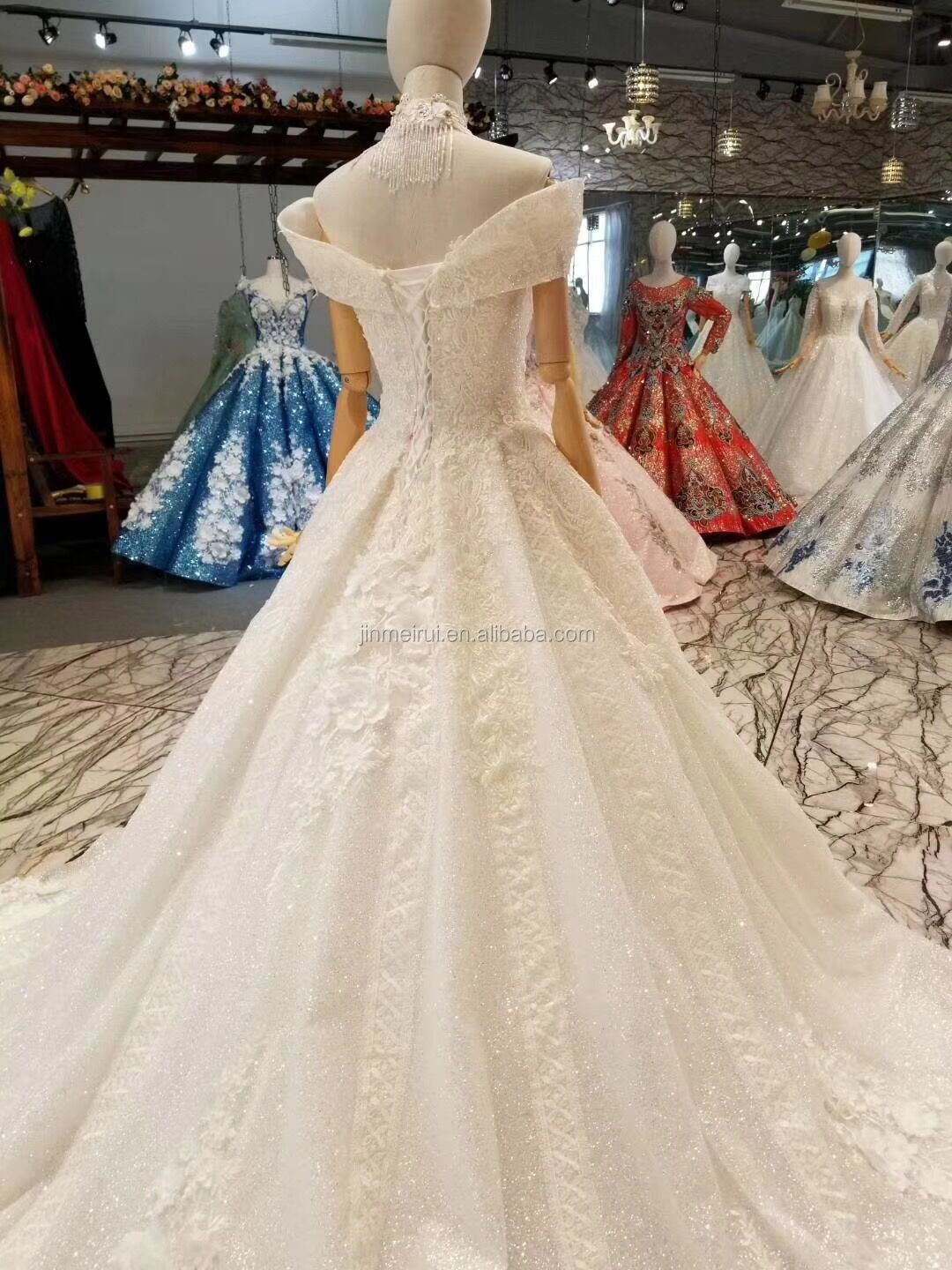 Luxury Wedding Dress with Cap Sleeves High Quality Lace with 3D Flowers Shining Crystals Ball Gown Wedding Dresses