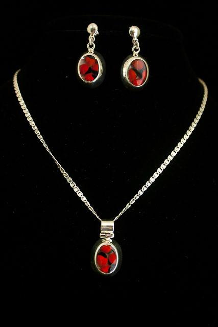 8922f5f65c3d Juego De Collar Y Aretes De Huayruro Y Plata - Buy Collar Product on ...